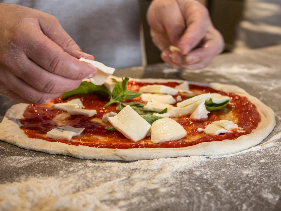 agenzia-comunicazione-napoli-roberto-guariglia-advertising-portfolio-work-food-casa-marigliano-ristorante-pizzeria-san-giorgio-cremano-3.jpg