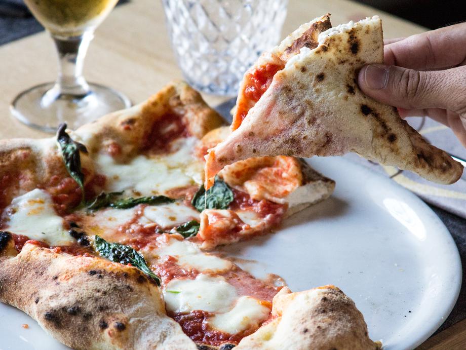 agenzia-comunicazione-napoli-roberto-guariglia-advertising-portfolio-work-food-casa-marigliano-ristorante-pizzeria-san-giorgio-cremano-5.jpg