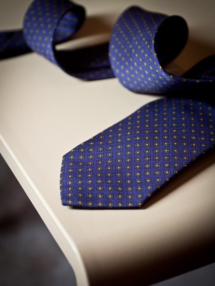 agenzia-comunicazione-napoli-roberto-guariglia-advertising-portfolio-work-fashion-calabrese-cravatte-napoli-cravatte-sartoriali-napoli-fall-winter-autunno-inverno-2018-6.jpg