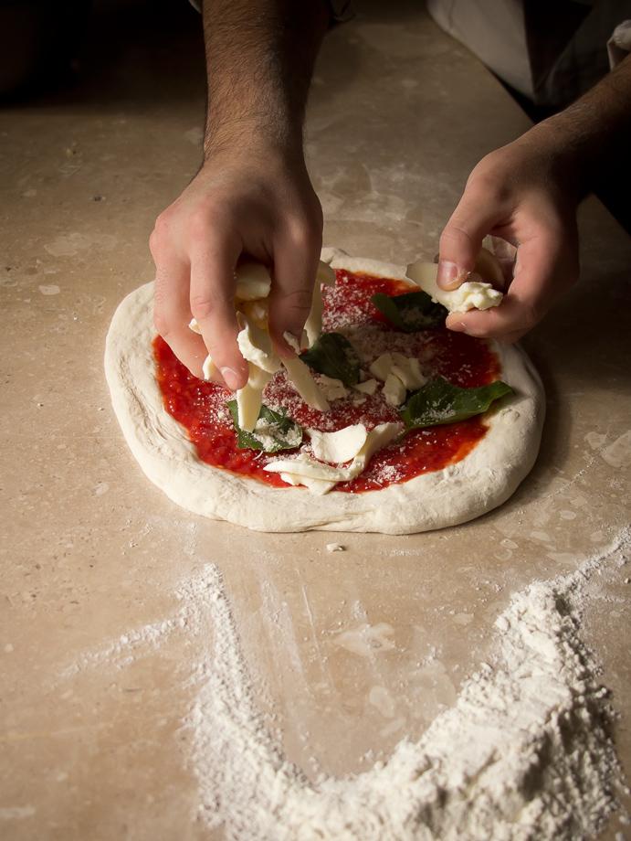 agenzia-comunicazione-napoli-roberto-guariglia-advertising-portfolio-work-food-gusto-over-the-sea-agropoli-cilento-ristorante-pizzeria-gourmet-2.jpg
