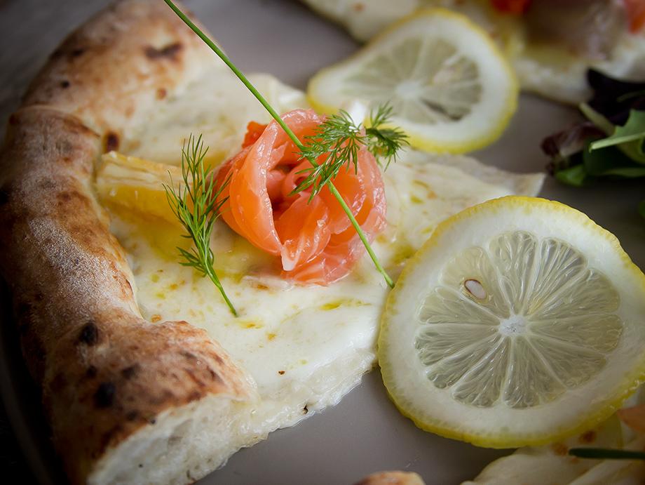 agenzia-comunicazione-napoli-roberto-guariglia-advertising-portfolio-work-food-gusto-over-the-sea-agropoli-cilento-ristorante-pizzeria-gourmet-5.jpg